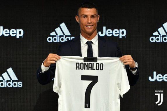 Tin bóng đá 17/10: Cầu thủ Real cá cược vụ chuyển nhượng Ronaldo
