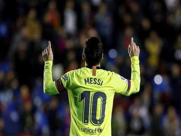 Messi xuất sắc với cú hat trick
