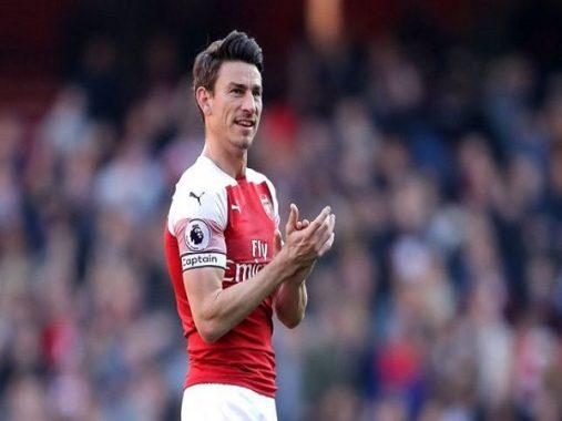 """Lý do Koscielny """"nổi loạn"""" ở Arsenal"""