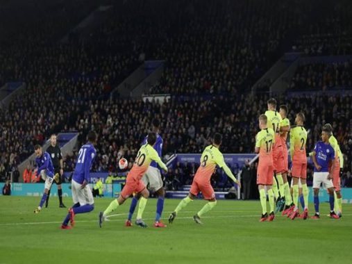 Manchester City thắng nhọc đối thủ Leicester City trên sân khách