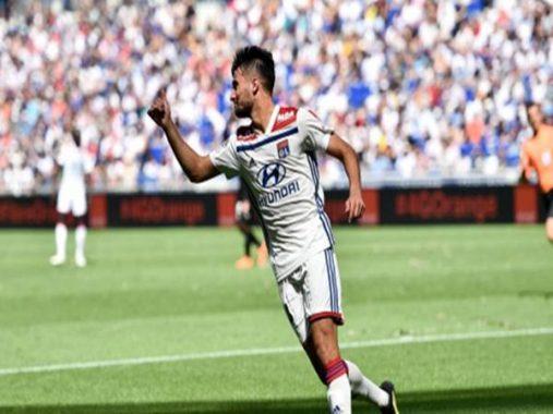 Chuyển nhượng chiều 27-8: PSG muốn chiêu mộ hậu vệ phải từ Lyon