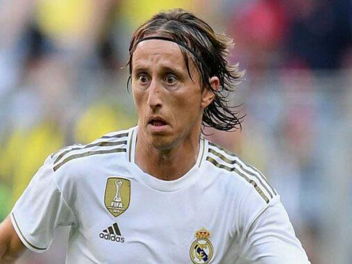 Tin chuyển nhượng chiều 14/1 : Modric đàm phán gia hạn với Real Madrid